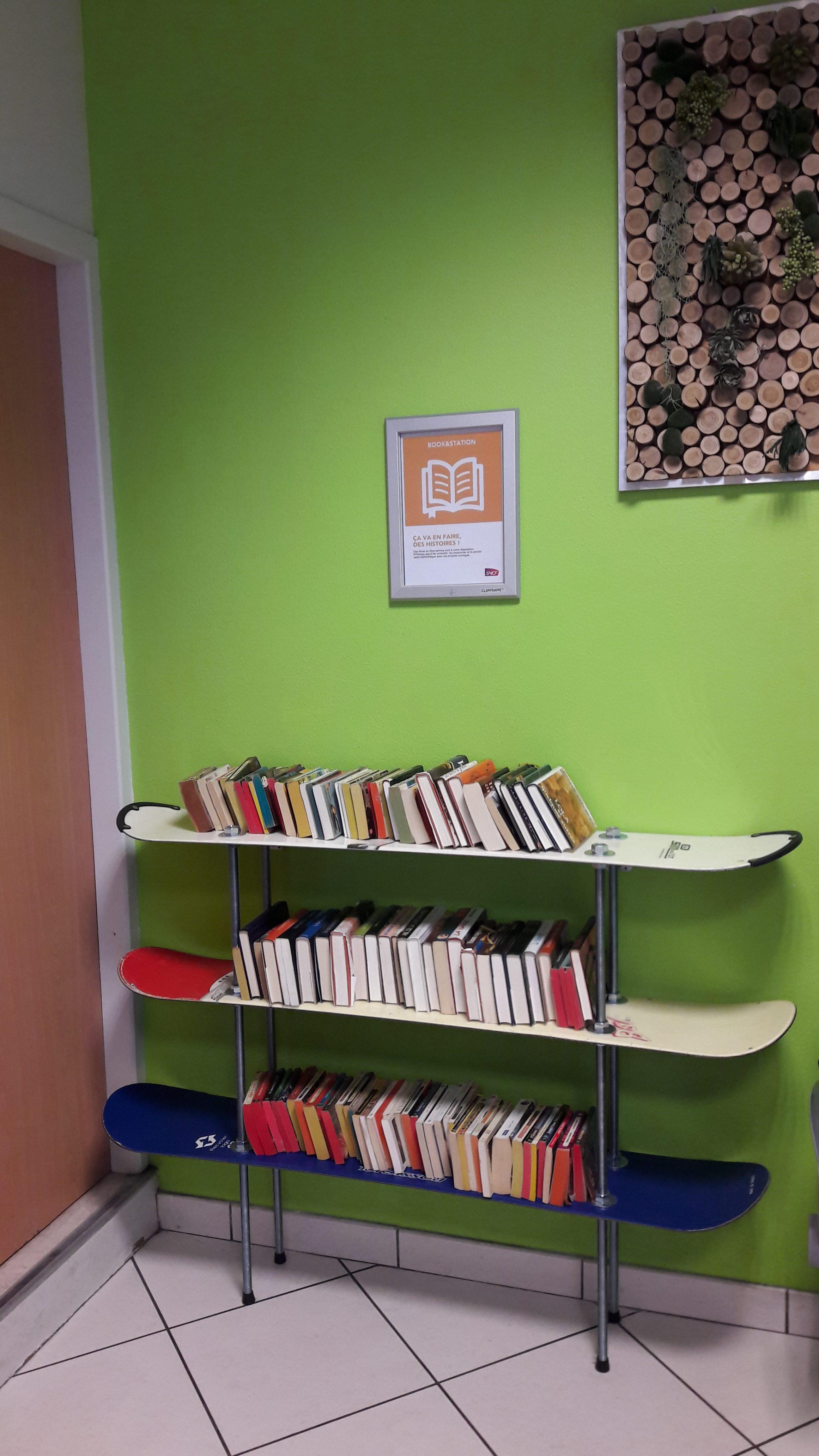 Nouvelle biblioth que libre en gare de chamb ry savoie - Association de recuperation meubles gratuit ...